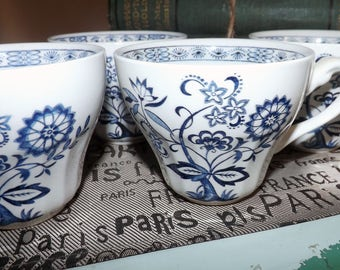 Vintage (1960s) J&G Meakin | Meakin Blue Nordic | Blue Onion blue-and-white, Delft-inspired flat orphan tea cup (NO saucer).