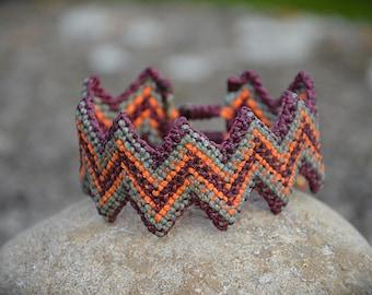 Zick Zack UV Macrame Bracelet Handmade
