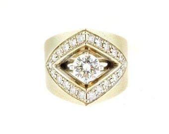 1.02 Carat Round Brilliant Diamond and 14k White Gold Anniversary Ring.