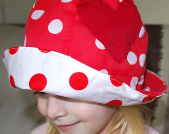Polka dot floppy sun hat, red girls cotton bonnet, wide brim, reversible clothing, beachwear, toddler summer hat, holiday clothing