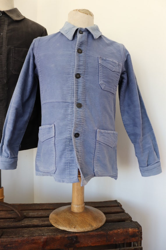 """Vintage 1950s 50s french bleu de travail blue moleskin chore work jacket workwear 38"""" chest sun faded darned repaired (2)"""