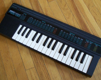 Vintage Yamaha PSS-130 80s Music Synth Keyboard Circuit Bending Bend Synthesizer
