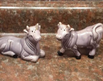 Vintage Ceramic Purple cow salt and pepper shaker