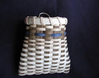 pocket basket