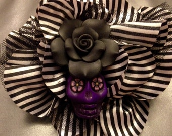 Black & white striped hair clip/lapel pin with center jumbo sugar skull