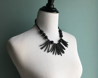 80s/90s Wood and Shell Bead Necklace//Bib-Style//Tribal