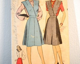 1940s Vintage Hollywood Pattern 1470 Jumper, Skirt, and Blouse size 14 bust 32