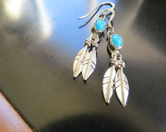 Vintage Southwest Native American Design Sterling Silver 925 Turquoise Earrings feathers