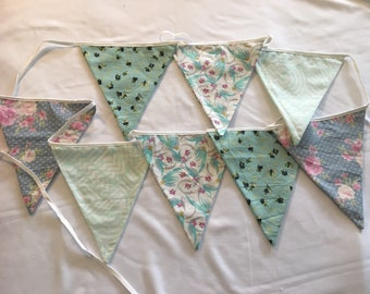 Double sided cloth bunting