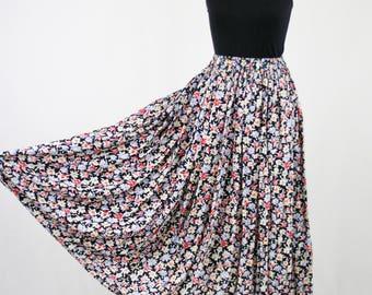 1990s Nicole Marie Petite Flower Elastic Waist Skirt Austin Texas
