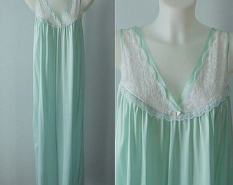 Vintage Mint Green Nightgown, French Maid, 1970s Nightgown, Vintage Nightgown, Vintage Lingerie