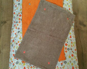 """Cover changing mat """"The animals of the forest"""" quilted with 2 removable sponges"""