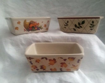 "Garden Ridge Individual (3) Mini Loaf Pans Vintage Fall/WInter Theme Stoneware 5"" Long 3.5"" Wide 2"" Tall"