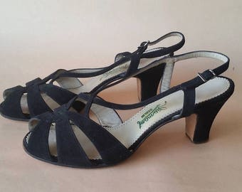 Perfect 1950s Jet-Black Suede Sandals