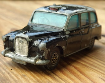Car taxi CORGI TOYS made in England vintage miniature / toy made in the United Kingdom vintage