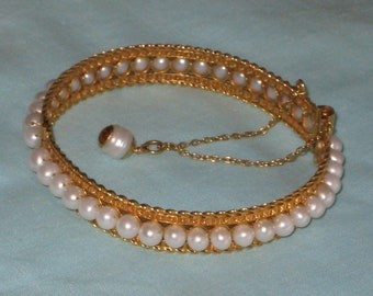 22 carat Gold Bracelet with 40 Freshwater Pearls