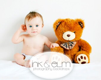 """Vinyl Photography Backdrop Solid White 5x5, solid white backdrop, photo backdrop, photoshoot backdrop, """"Solid White"""""""