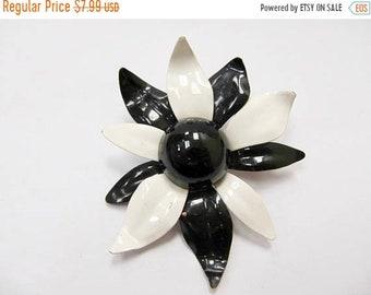 On Sale Vintage Black and White Enameled Flower Pin Item K # 2618