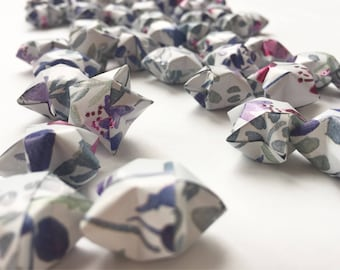50 Origami Stars - Floral Pattern