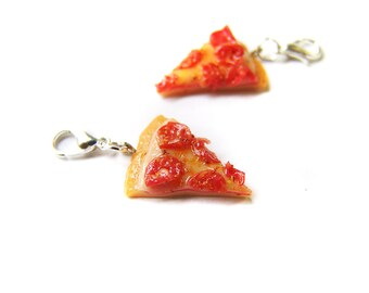 Pepperoni Pizza Charm, Ooey Gooey Pizza Charm, Miniature Food Jewelry, Polymer Clay Pizza, Pizza Jewelry, Pizza Party Charm