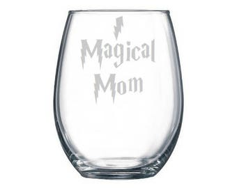 Magical Mom Wine Glass, Book themed Baby Shower, Literary Baby shower gift, Mom Gifts, Push Presents, Lightning Scar, First Mother's Day