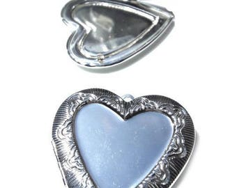 Large heart pendant open double stand front and inside