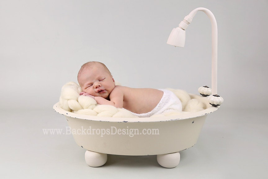 REAL not digital / Bathtub prop Newborn