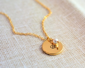 Initial Disc Necklace - Gold Initial necklace - Circle Disc Necklace - Family Necklace - Mother's Necklace - Bridesmaid Gift