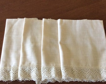 Set of Four Cloth Dinner Napkins with Lace Trim-18x18 in