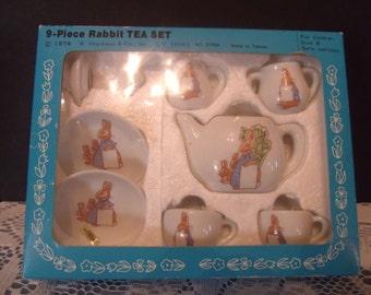 Vintage 1974 9 piece Rabbit Tea Set, Shackman & Co., (# 559/20)
