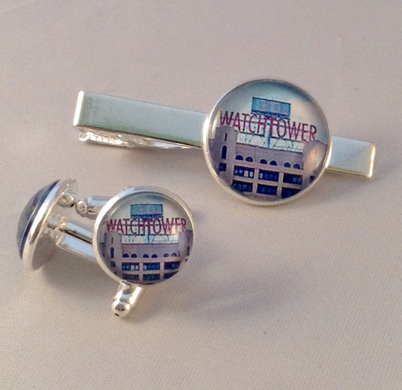JW Color Watchtower Sign Tie bar and cufflink set in Silver-tone ,  Blue velvet gift pouch included. #406/#407