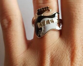 Ring for guitar fans