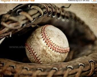 FLASH SALE til MIDNIGHT Vintage Baseball in Catchers Mit Photo Print,Decorating Ideas, Wall Decor, Wall Art,  Kids Room, Nursery Ideas, Gift