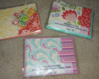 "Floral / Paisley Pattern Bright / Colorful Stationary Set 3 - 6 Piece Note Card Set 18 Cards and Envelopes 5"" x 3.75"""