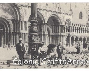 Vintage Postcard - Venezia - Piccioni in Piazza S Marco - No 4698 - Feeding the Pigeons - Piazza San Marco - Venice Italy