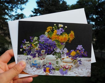 Original Photo Card, Capturing beauty of spring through flowers: dandelions, violets, phlox and more; Photo by Mariya Kovalyov, 5 x 7 inches
