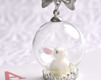 White rabbit globe glass necklace, bunny jewelry, jewelry Alice in Wonderland, rabbit necklace, Alice Necklace, gift for her, Easter gifts