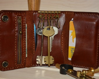 Genuine leather key holder. Up to 6 keys + 3 pockets for cards. Leather key wallet. 100%Handmade.