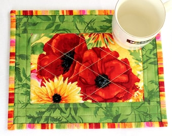 Quilted Mug Rug, Poppies, Red Green Snack Mat, Floral Mug Mat, Summer Table Quilt, Quiltsy Handmade