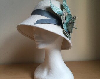 Ivory Felt Cloche Hat, Winter Cloche Hat, Flower Cloche Hat, Retro Cloche