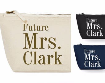 Future Mrs Make Up Cosmetic Wash Bag Wedding Gift Bridal Party Hen Favours Bag Present Newlywed Wife to Be