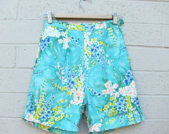 Vintage High-Waisted Shorts Floral Print Watercolor Mint Pastel Colors Blue Yellow Pink Small XS S 60s