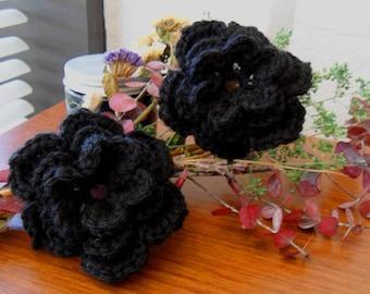 Schwarze Blume aus schwarzer Wolle Blumen - Applikationen - schwarze Blume Verschönerung - schwarzer Wolle Blume Verschönerung - häkeln Blumeapplique