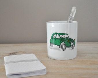 Pencil holder with a car green retro 2CV, porcelain, customizable