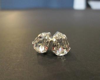 Petite Pear Shaped Swarovski Studs/Clear Crystal Swarovksi Earrings/Swarovski Studs/Junior Bridesmaid/Bridesmaid Earrings/Flower Girl