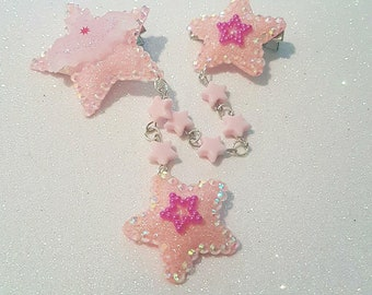 Creepy cute pink pastel star bat double hair clip