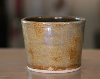 Ceramic cup, small drinking cup, small cylinder