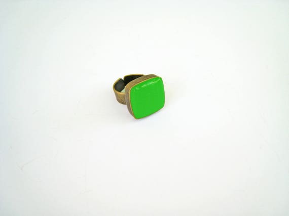 Lime green ring, bronze peridot green statement ring, chartreuse green resin ring, square ring, modern minimalist jewelry, color block
