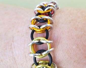 Multi-Colored Chainmaille Stretch Bracelet.