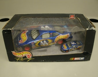 Hot Wheels 1/24 and 1/64 Scale Diecast Car Set 1998